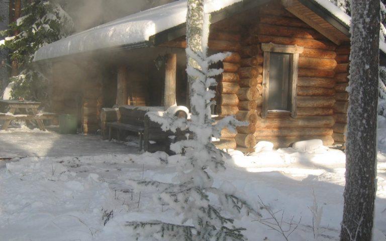 Die echte finnische Rauchsauna